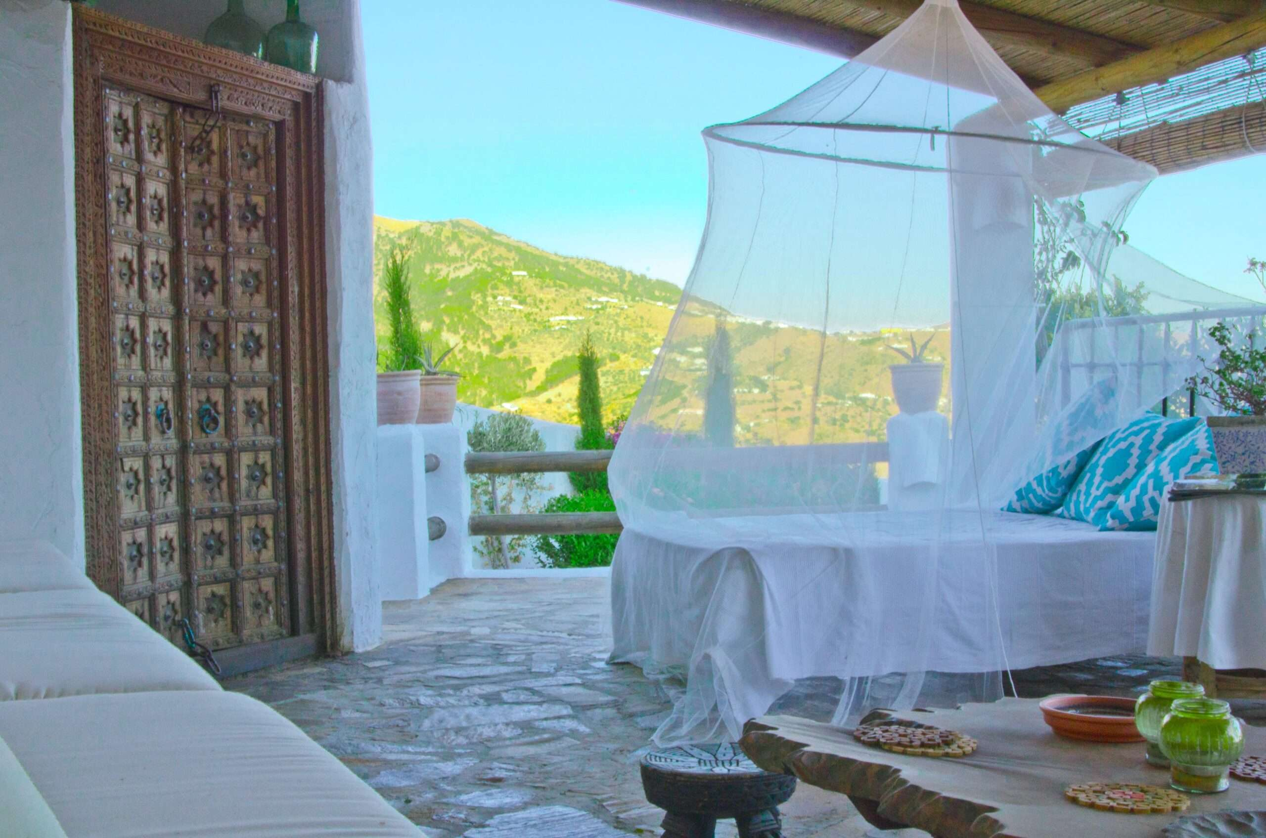 Rooftop open air bedroom at Villa El Carligto in Spain