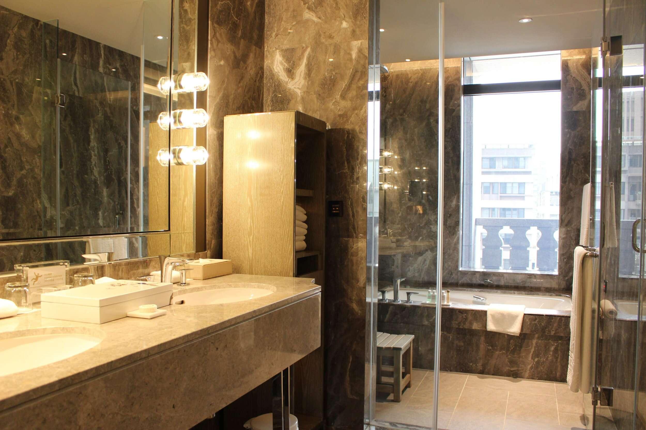 luxurious marble bathroom at Grand Mayfull Hotel Taipei