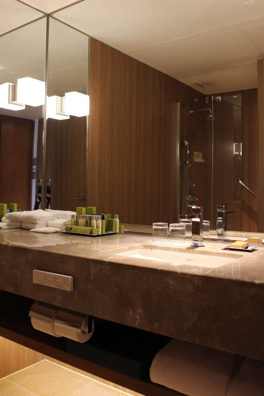 Hilton Nagoya Bathroom