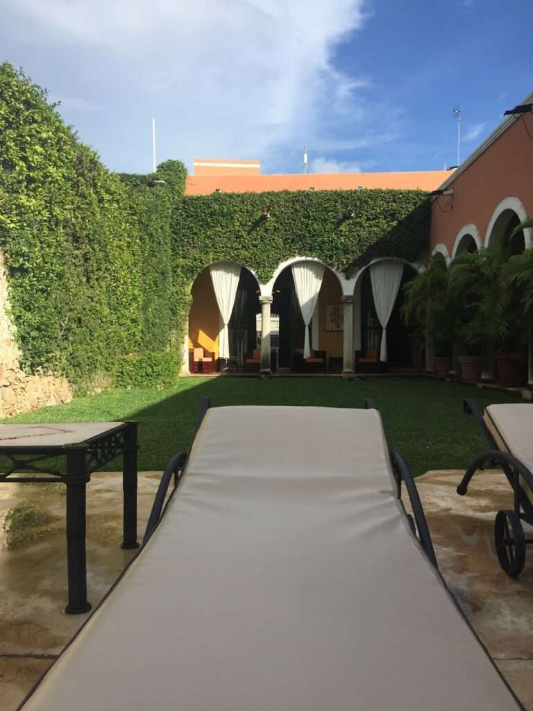 Hotel Hacienda Merida lush green courtyard