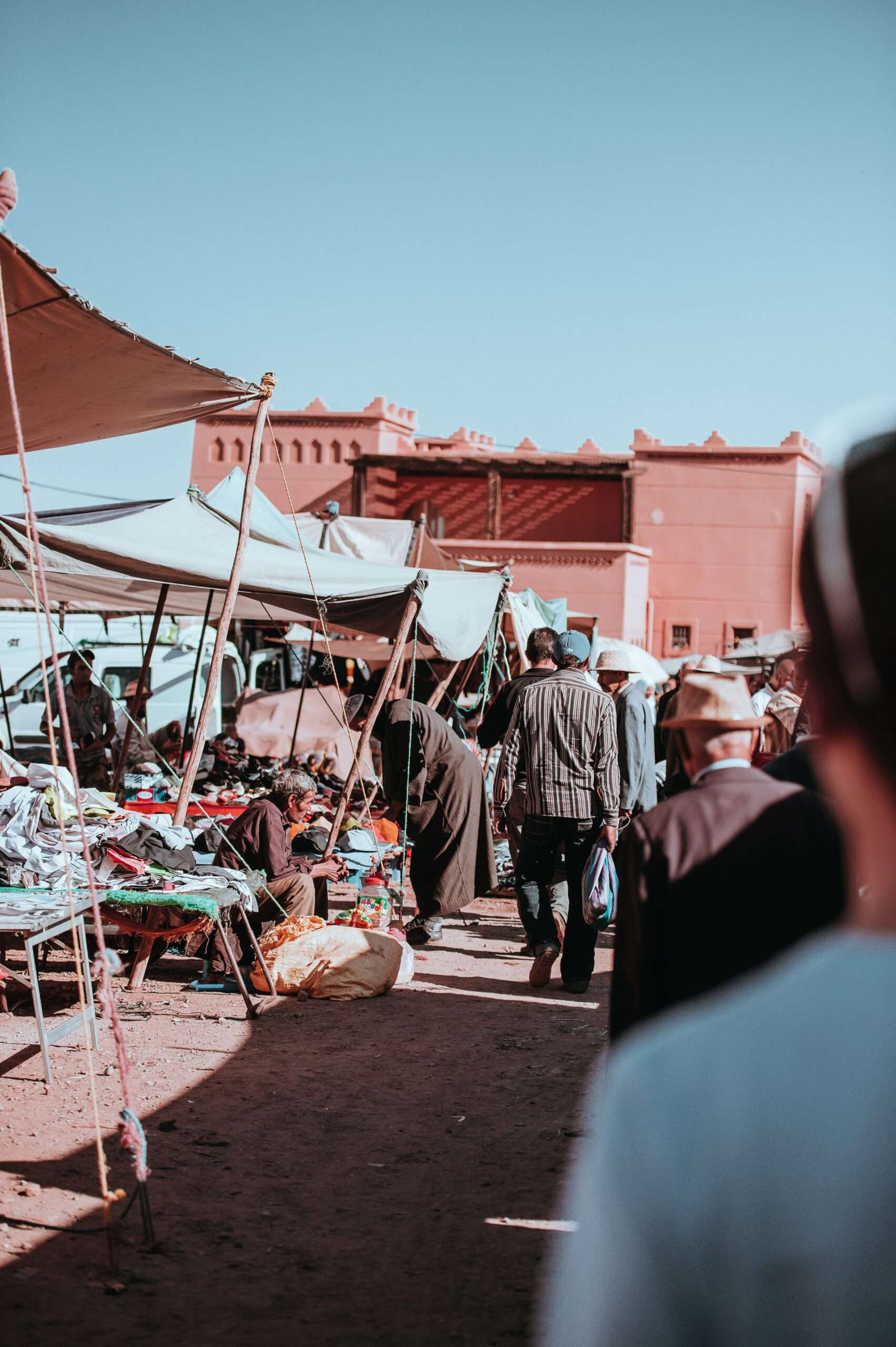 markets in Marrakesh selling Moroccan rugs