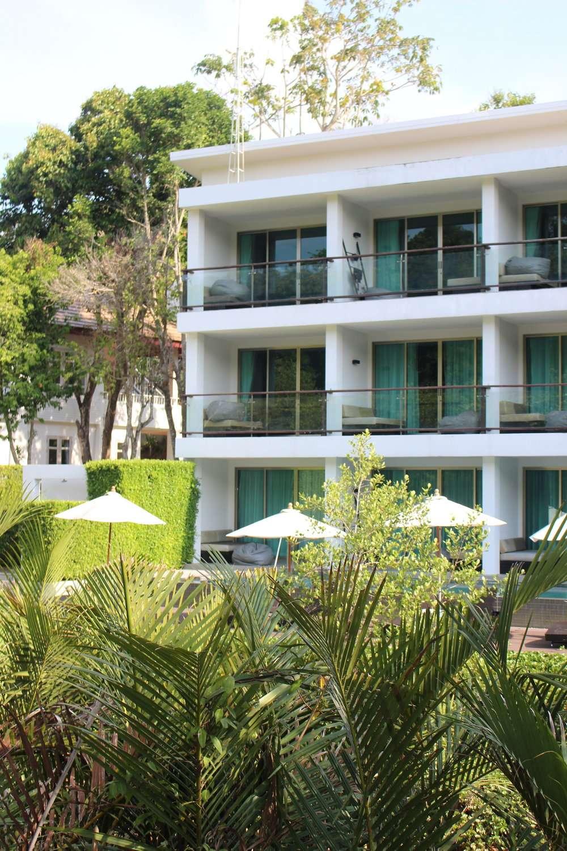 three-storey hotel building at Moonlight Exotic Bay Resort, Koh Lanta