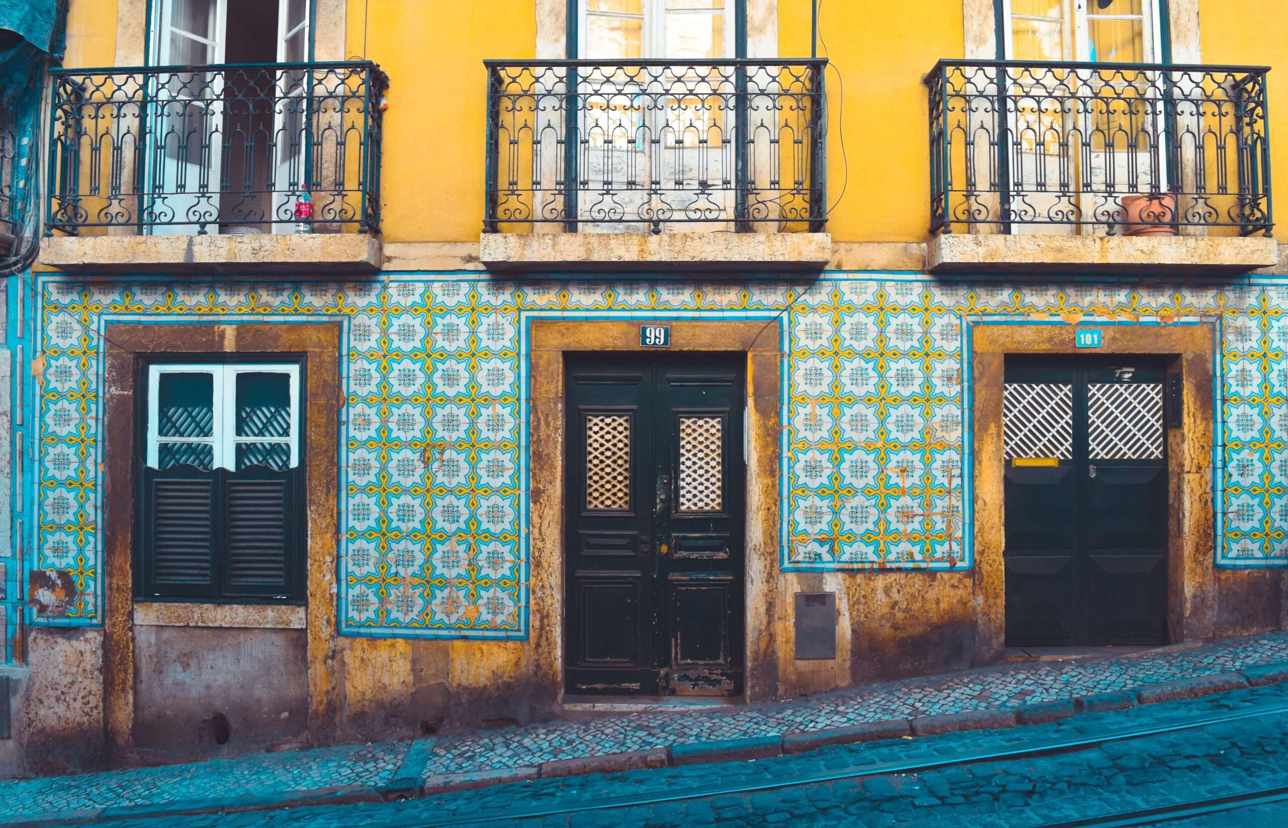 Tiled building facades