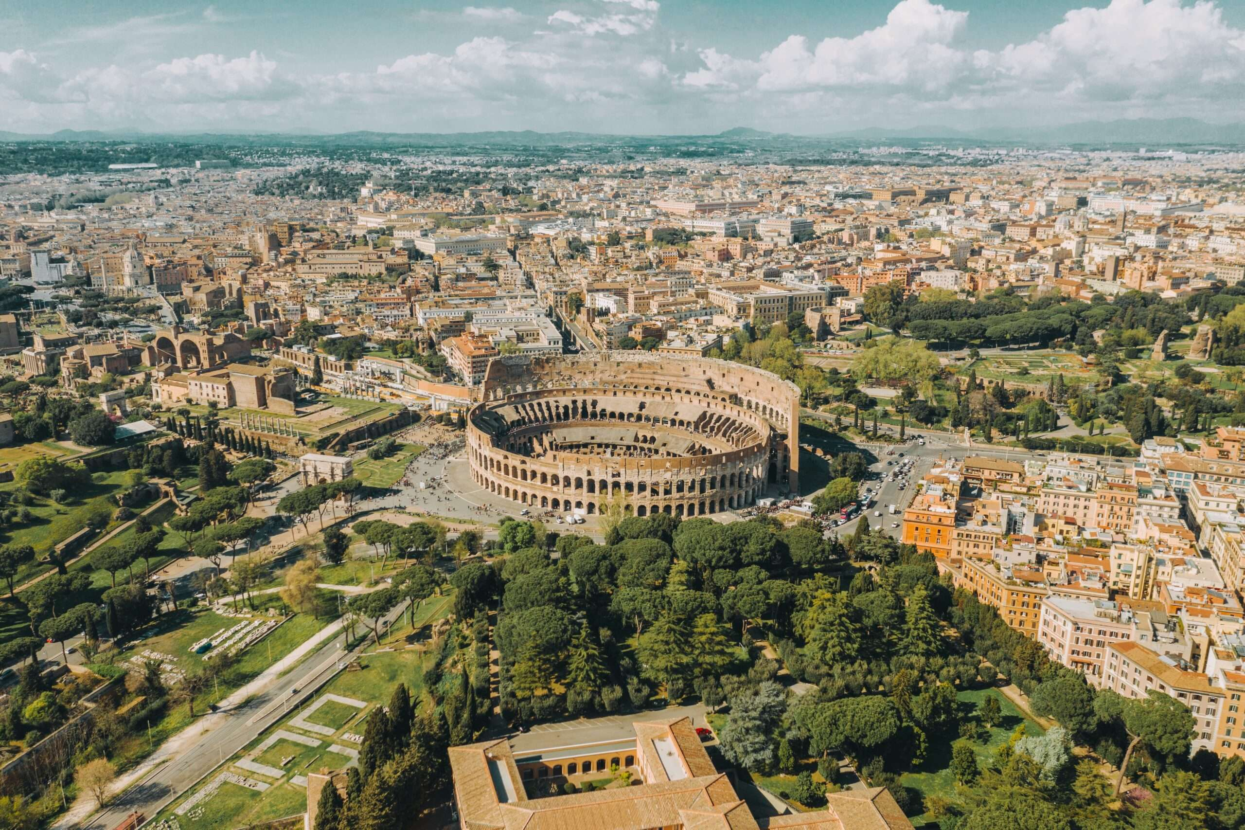 The Colosseum, one of the Best things to do in Rome