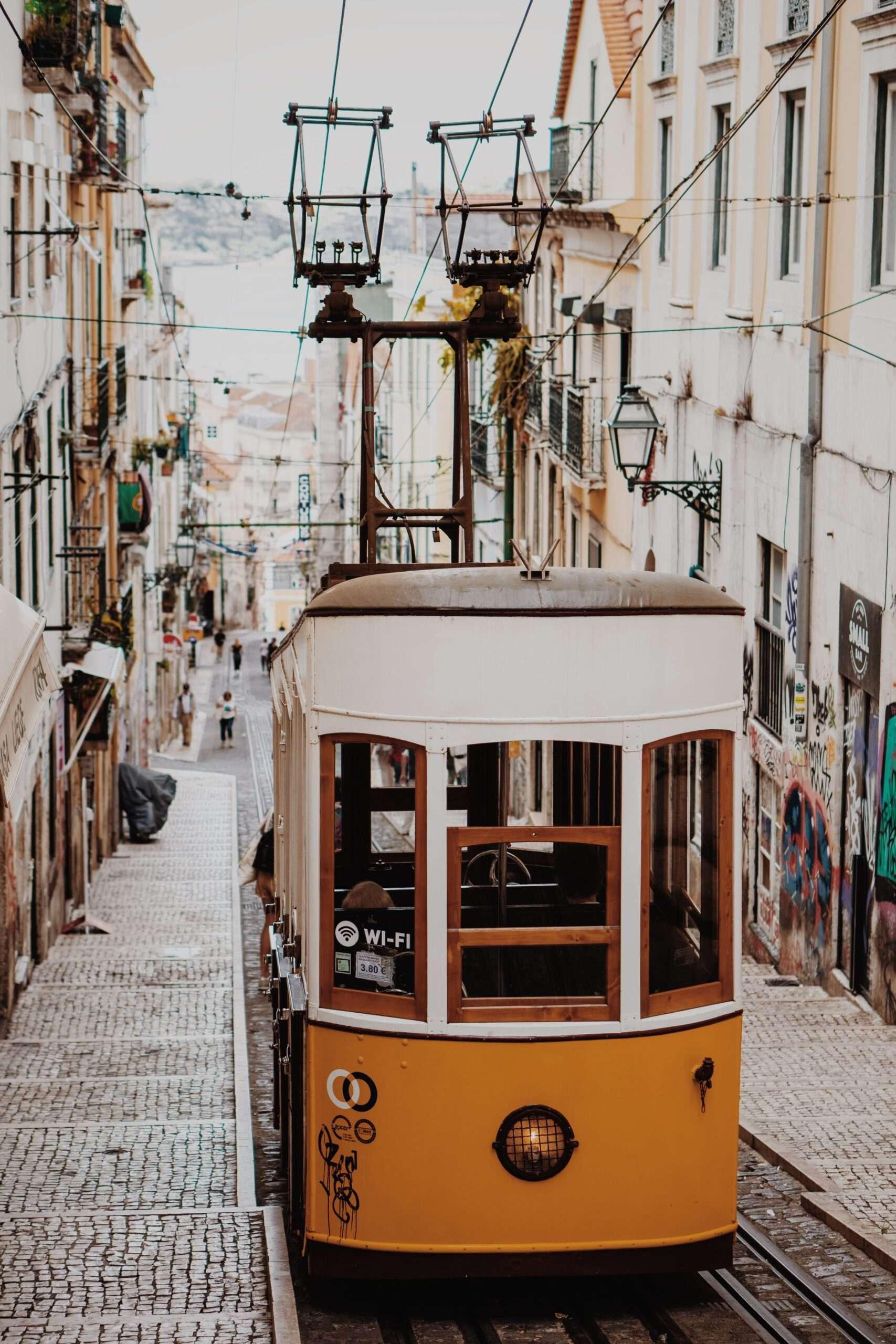 Barrio Alto Tram