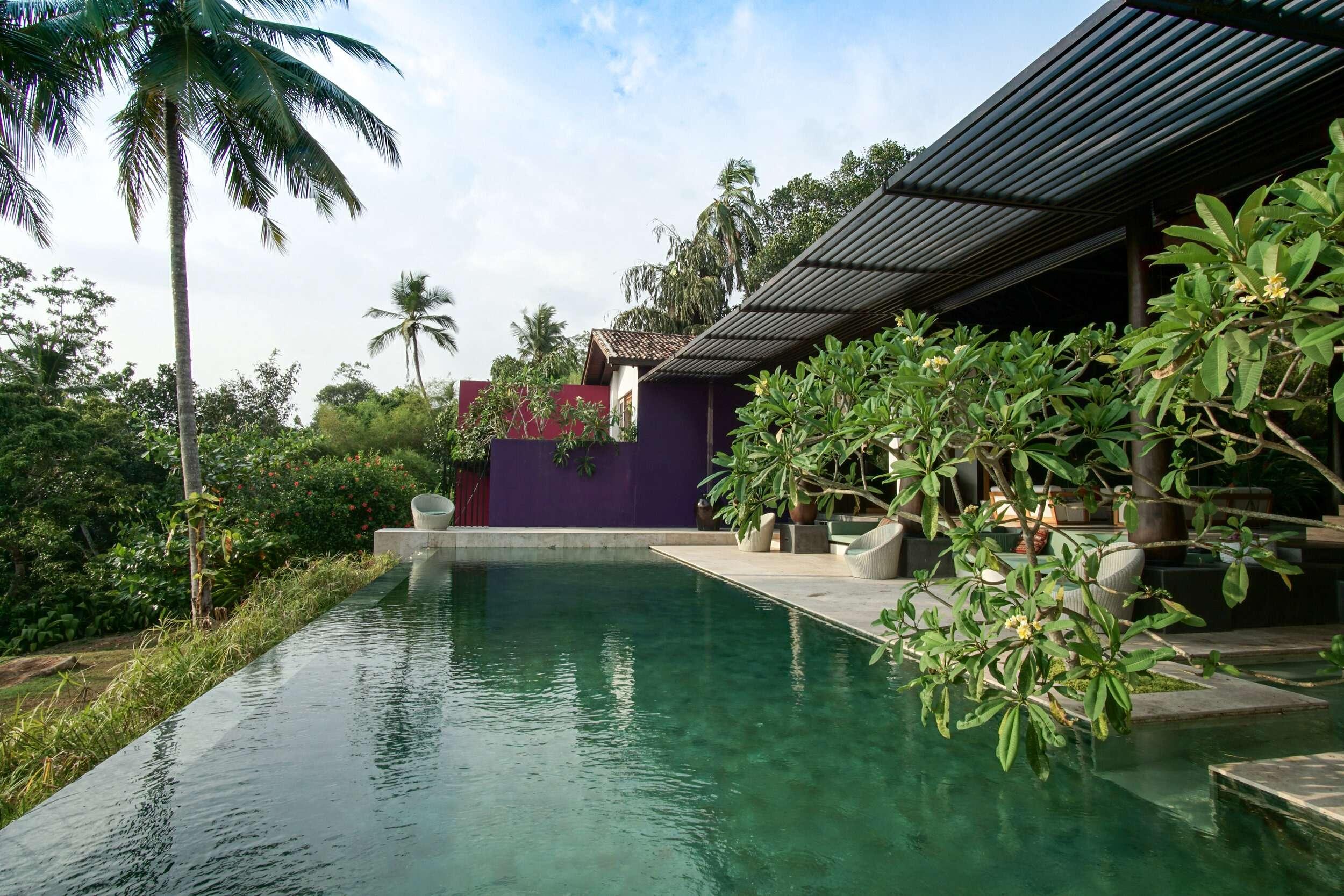 infinity pool at Villa Wambatu